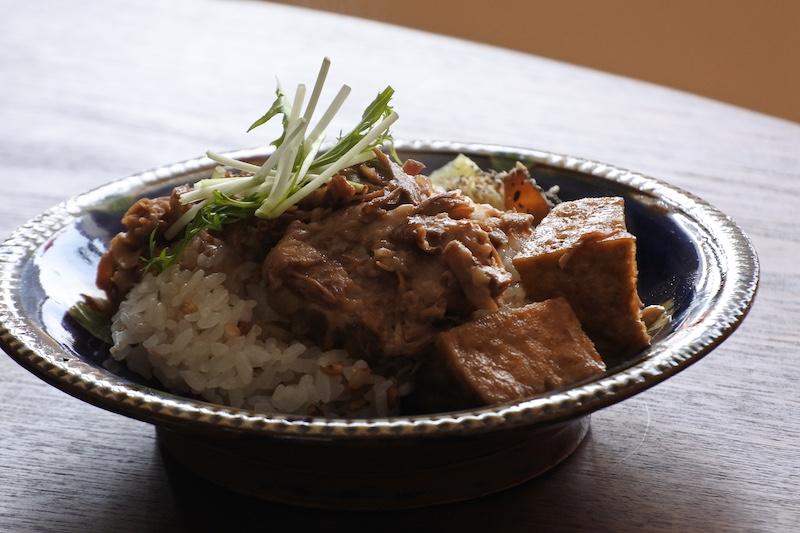 おうちで小宇宙食堂シリーズ!滷肉飯(ルーロー飯)の素、販売しています